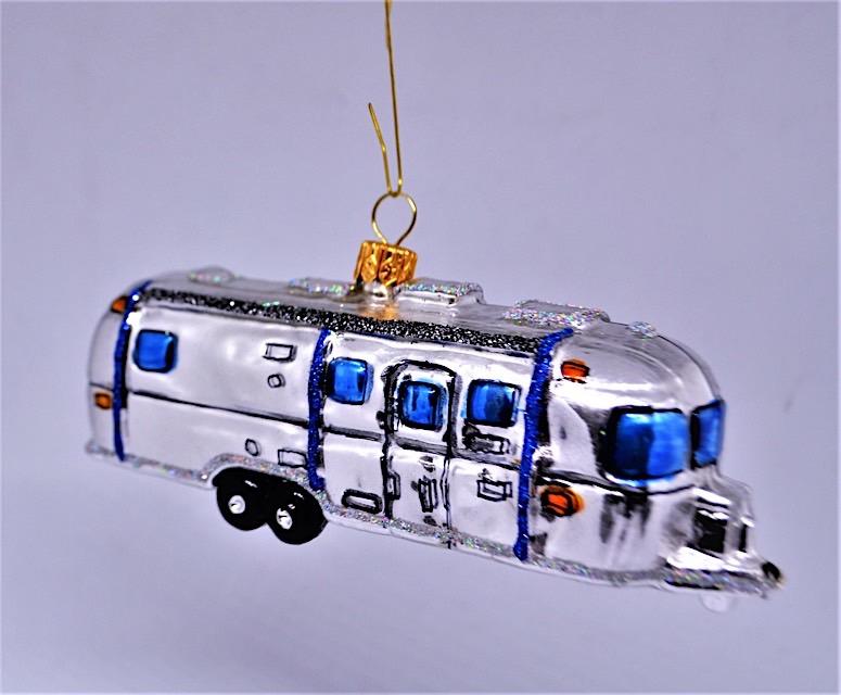 Wohnwagen Airstream klein